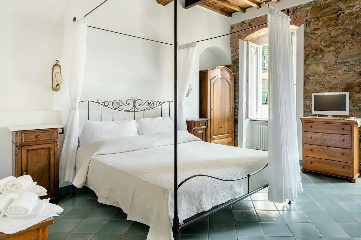 AlmaVenus Romantic Studio Suite in Historic House