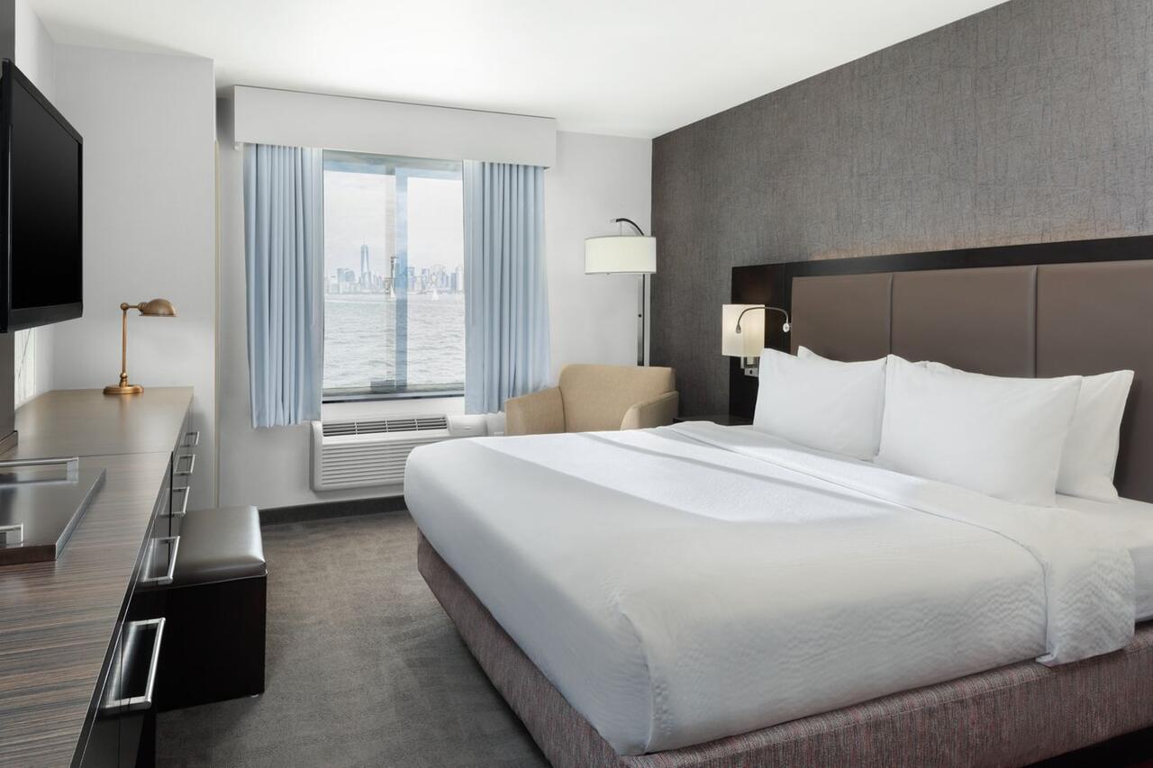 Fairfield Inn & Suites by Marriott New York Staten Island