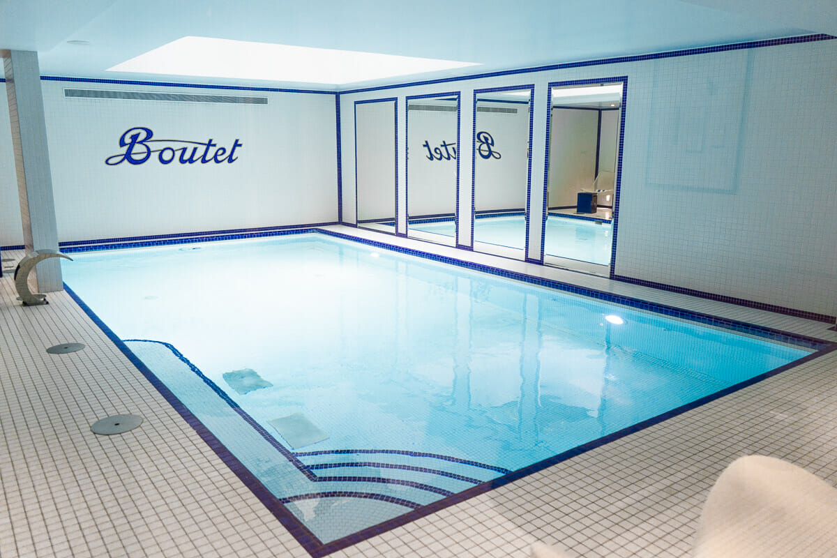 Pool in Hotel Paris Bastille Boutet