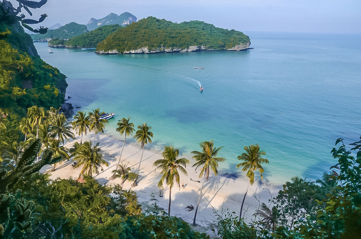 White sandy beaches at Ang Thong National Park in Thailand