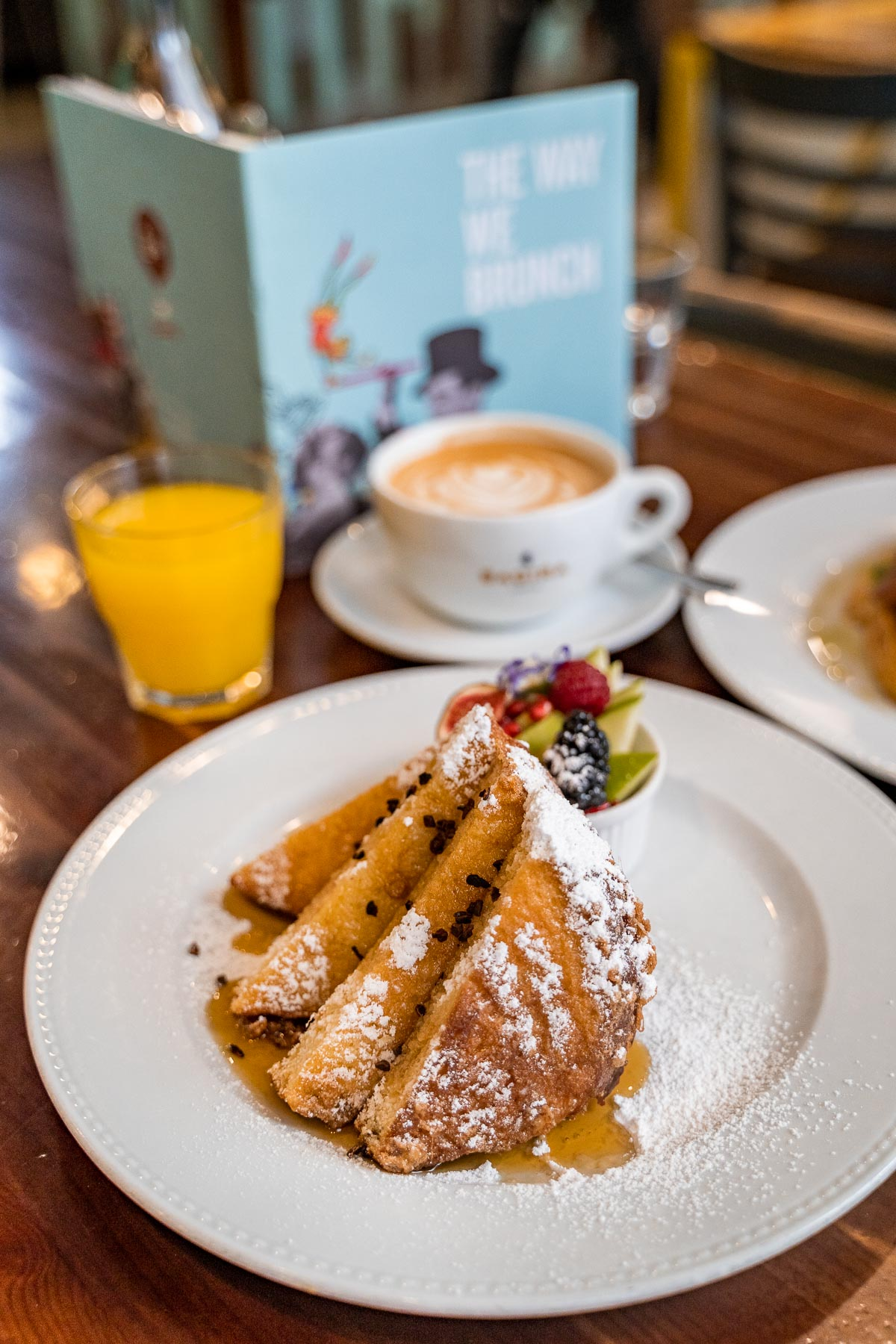 French toast for breakfast in Budapest at Cirkusz Cafe