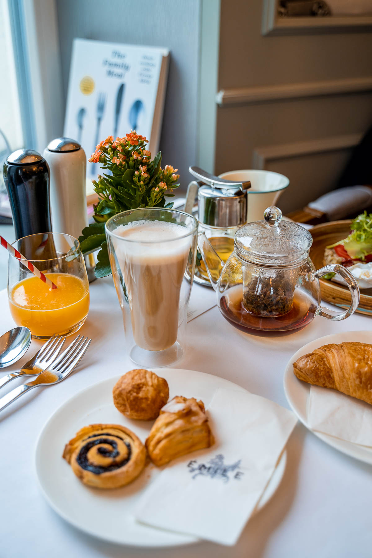 Breakfast at Émile Budapest