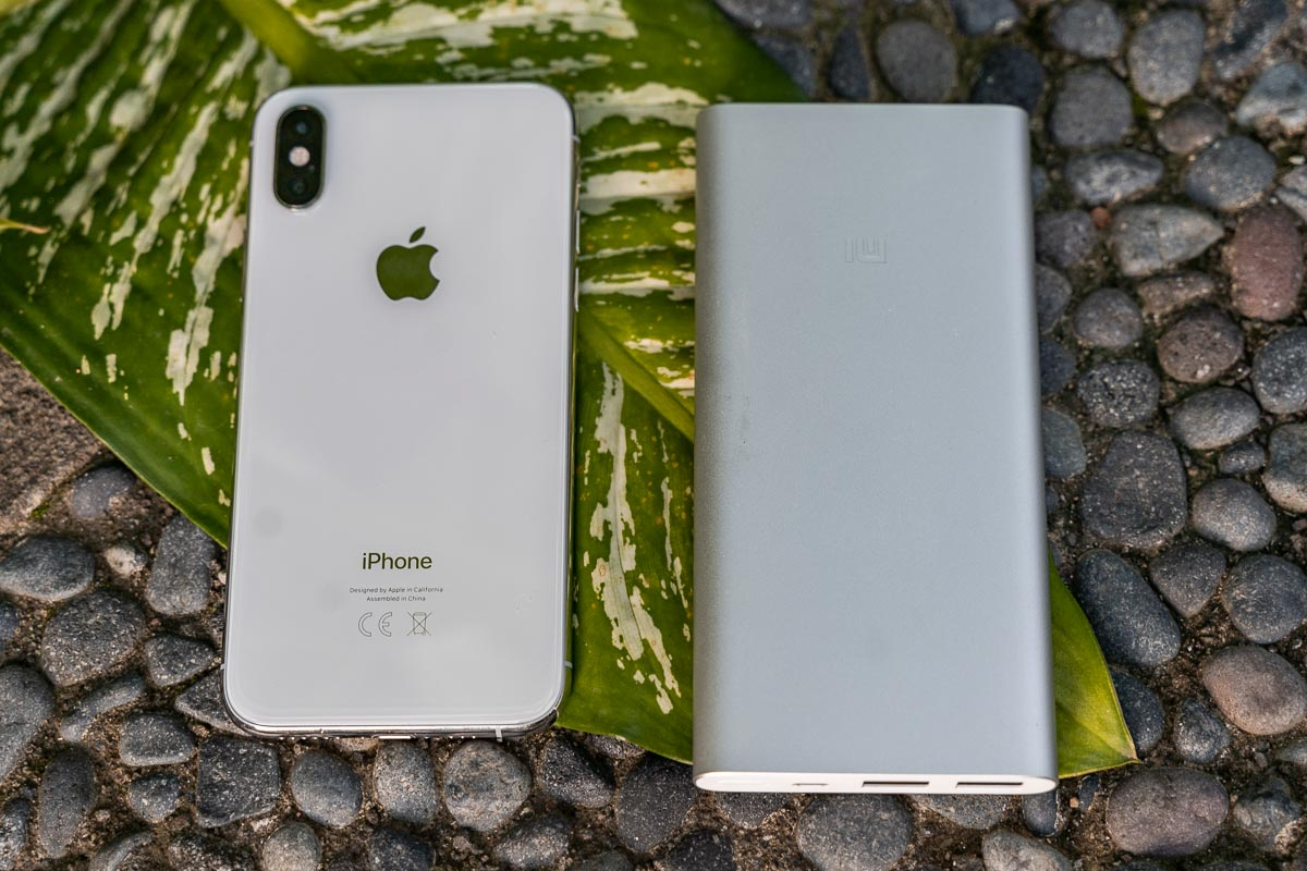 iPhone XS and a power bank