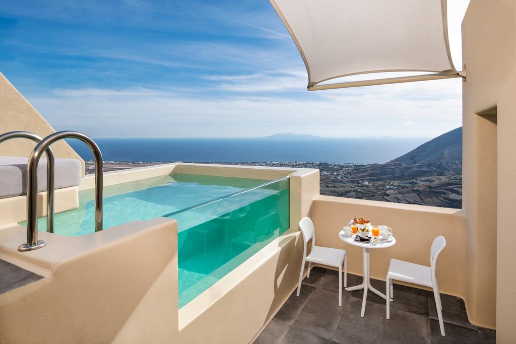 Skyfall Suites - Adults Only