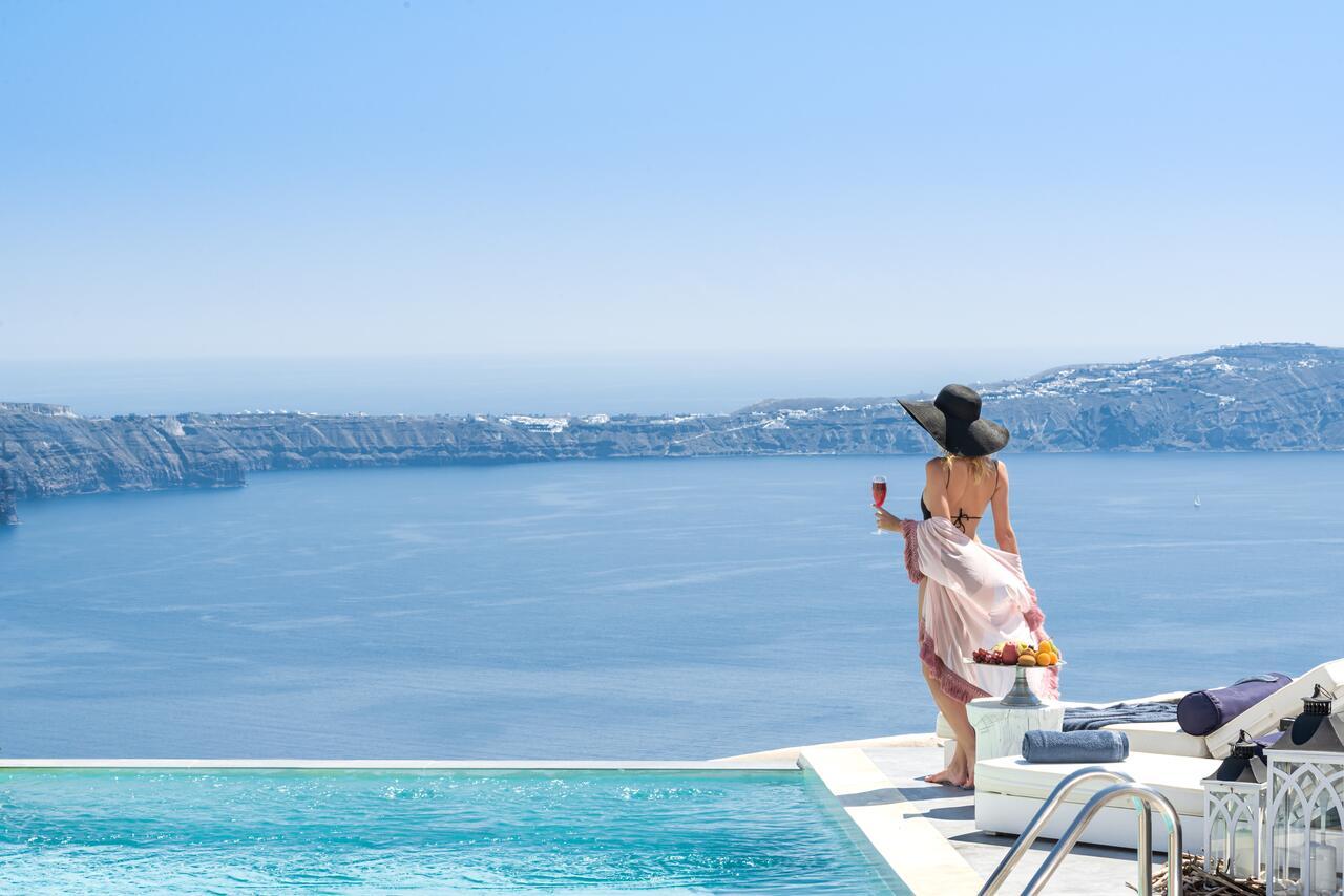 Mythical Blue Luxury Suites